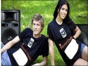 Orange crea una camiseta que recarga los móviles